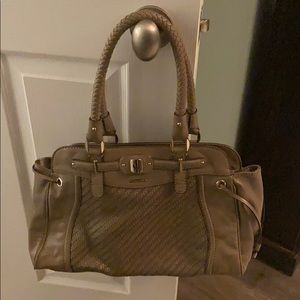 GUESS PURSE IN REALLY GOOD CONDITION